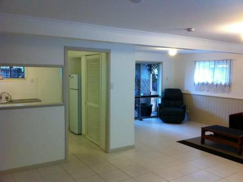 Spacious 1 bedroom unit near Garden City with pool