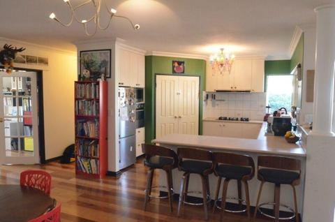 Spacious family home 5 minutes from South Fremantle