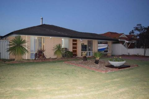 Broadwater Beauty - Corner Block with Space for Boat and Caravan