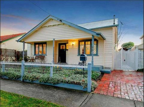 Stylish, light-filled family home with bungalow in Coburg