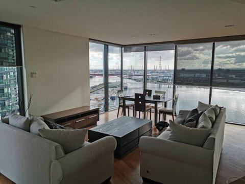Dockland 5 Star Luxury Apartment share room