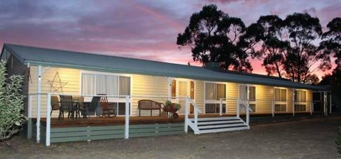 4 BR HOME ON 20 ACRES VIC