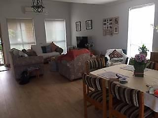 Share Townhouse Private Room with Own Bathroom close to Transport